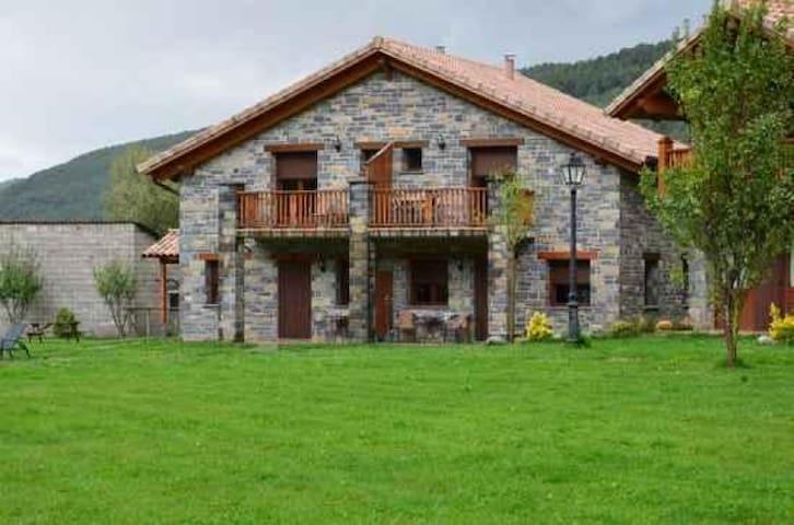 Casas La Ribera. Ordesa.  2 plazas Extra