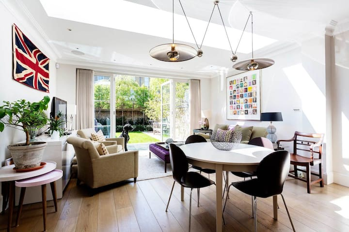 Lavish & luxurious 5BR home in Fulham (Veeve)