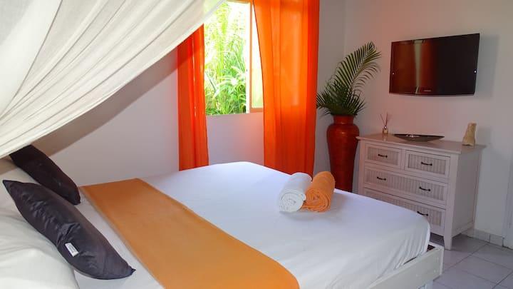 Chambre dans villa avec piscine #FR1AT3VY