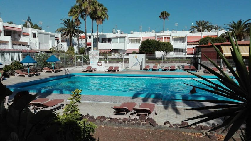 Geremy Superior Tenerife flat with pool! - Costa del Silencio