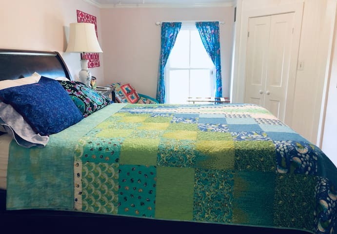Custom made quilts by Sewlovelee Quilt Shop.