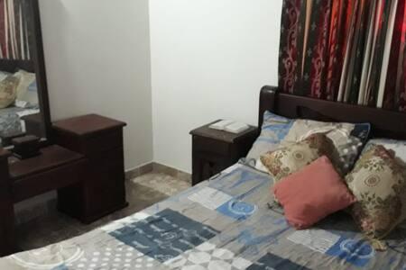 Habitación cómoda y familiar