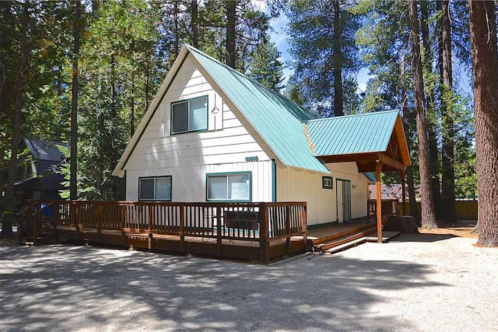 Dog-friendly home w/ deck area and wood stove, about half a mile from the lake