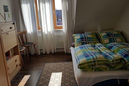 Weilheim - ruhiges Zimmer für 1 oder 2