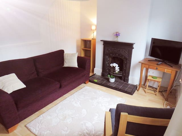 Two bedroom Victorian Cottage