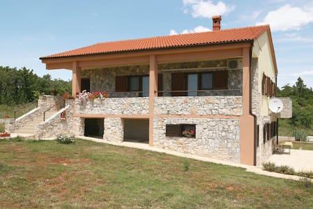 3 Bedrooms Home in Krnica #1 - Krnica - 단독주택