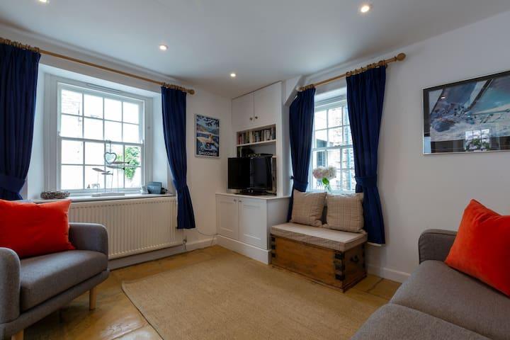 Bright cosy sitting room