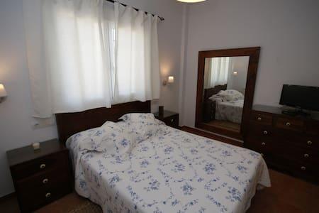 Habitación doble con vistas - Finca El Romeral - Alpera - Talo