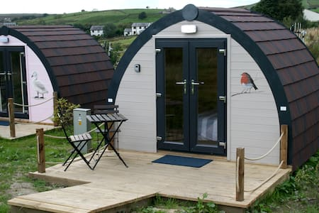 Petite Glamping Pod with superb views