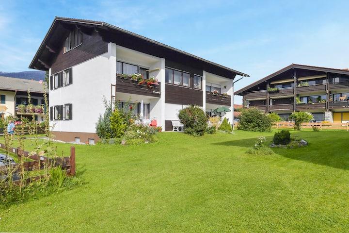 """Charmante Ferienwohnung """"Ried Inzell"""" mit Bergblick und WLAN; Parkplätze vorhanden"""