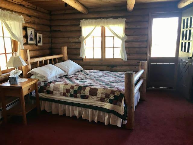 queen bedroom--master on main floor