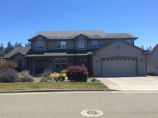 Garden Getaway - McKinleyville - Rumah