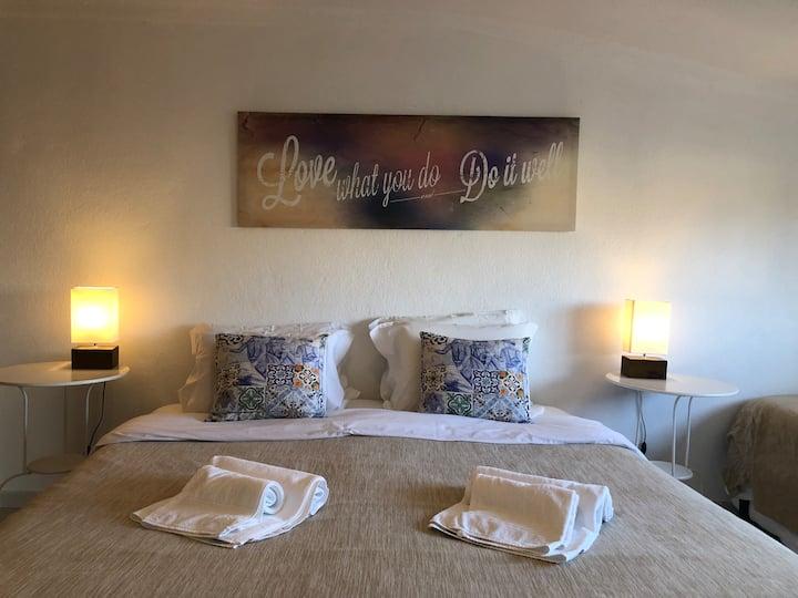 Familienzimmer-Groß-Gemeinsames Badezimmer-Estoril room