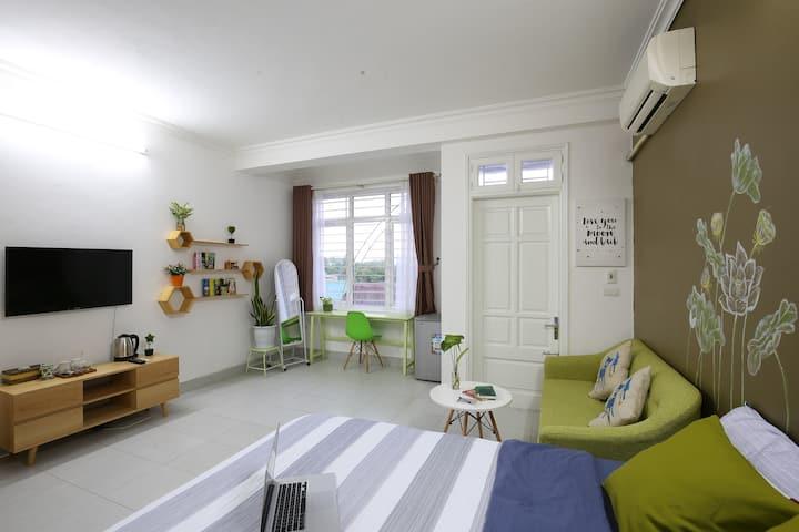 VITAMIN HOME ★ Green room~balcony~Netflix~WestLake