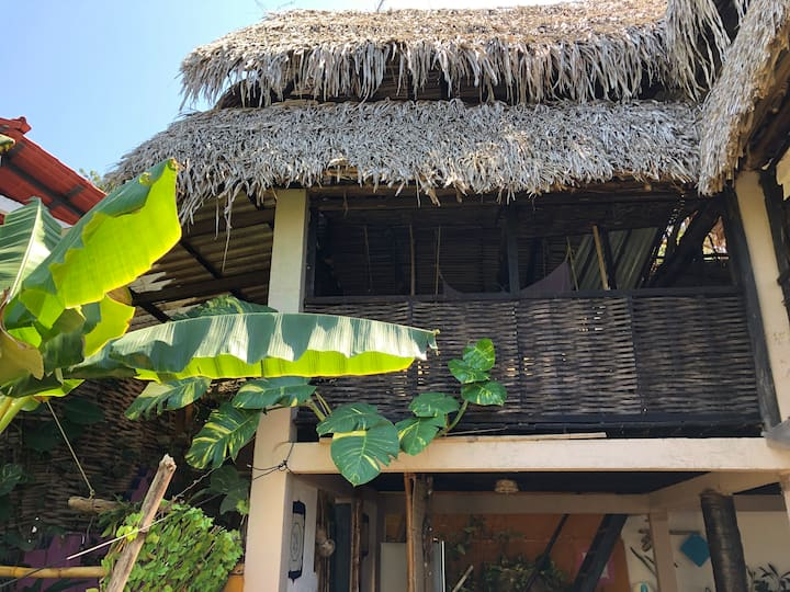 Palapa Hannah! Open Air Bungalow in the Jungle