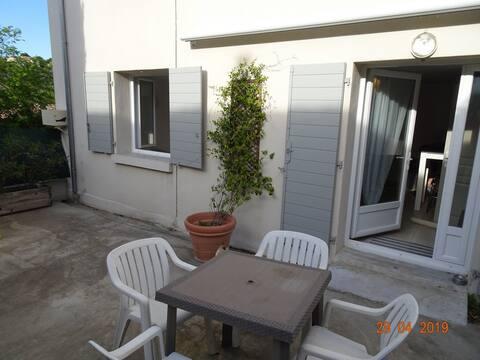 Appartement dans village provençal Fuveau