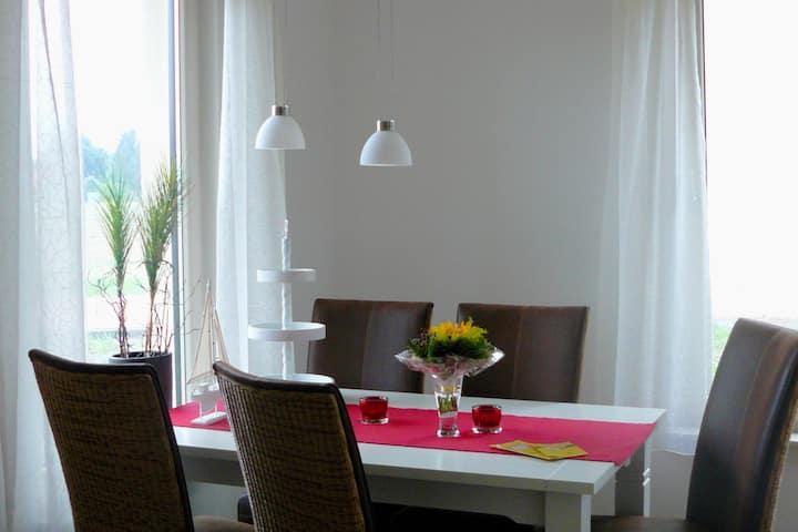 Modernes Ferienhaus in Wietzendorf Deutschland mit Terrasse