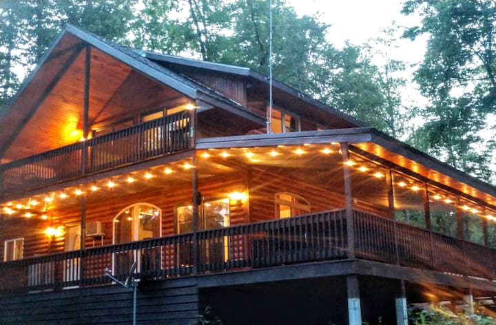 Serenity Hill Escape in Mohican with Pavilion