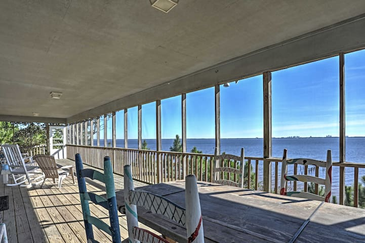 Waterfront 4BR Lillian House w/Stunning Bay Views