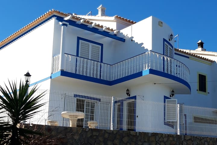 Private Vila in Junqueira