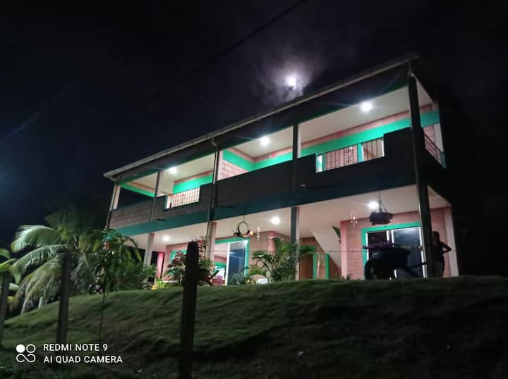 Villa Celeste - la casa de los colores