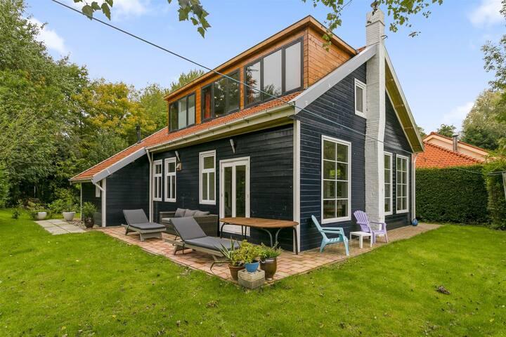 Mooi vrijstaand 6-persoons huis op een A-locatie