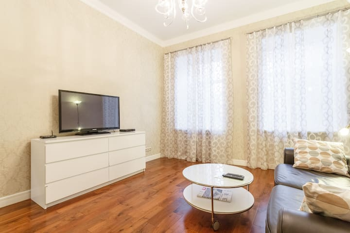Two Bedrooms Apartment near Old Arbat street