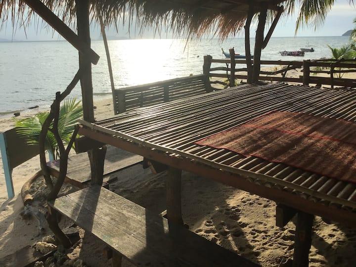 Dreamcatcher Hostel, peace of Sunset on the beach.