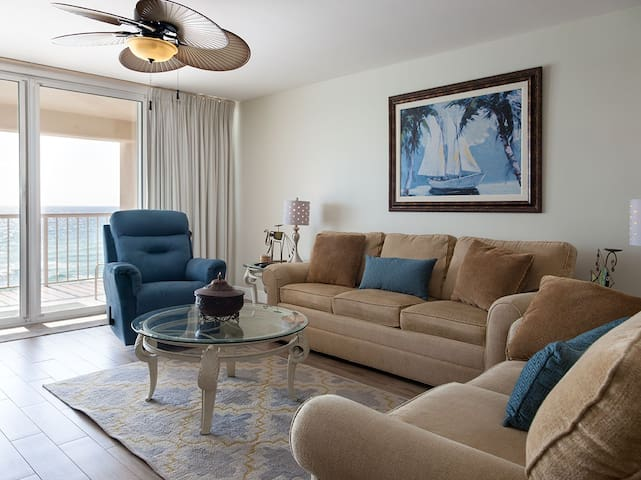 Beautiful 2B/2B condo overlooking the Gulf of Mexico - 404