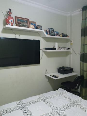 Mesa para home Office ou estudo com impressora