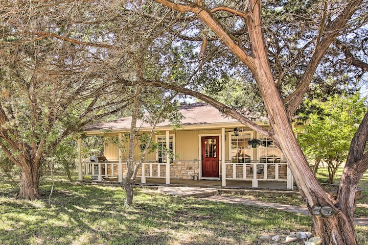 Charming Home w/Porch Swing+Grill: 6Mi to Wineries