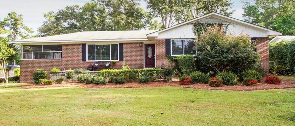 3 bedroom, 2 bath home 5 miles from MASTERS