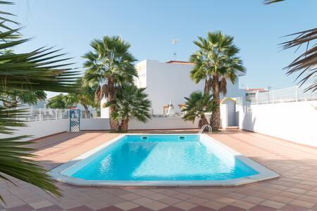 Sundy Villa, Manta Rota, Algarve - Manta Rota - วิลล่า