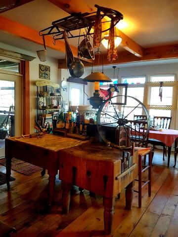 Summer Bijou Cabin on Woodward isle Fishing Grill