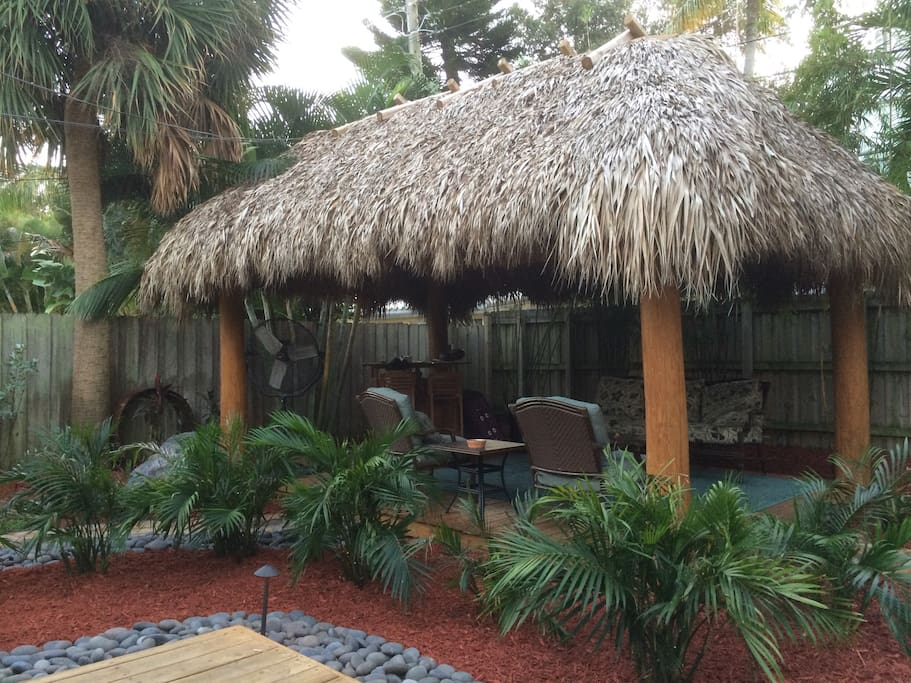 Nakedpalmstikihut Amp Bohemian House Houses For Rent In