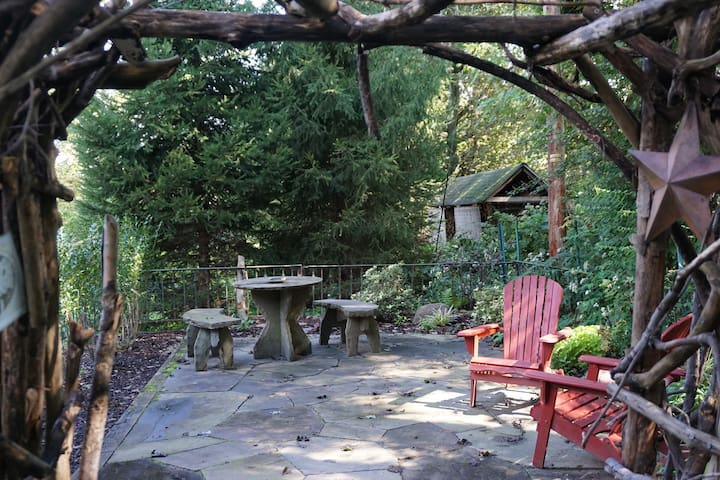 Secret garden for exclusive use of guests