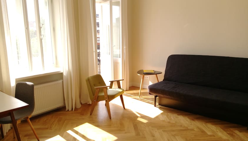 Sunny apartment in an old tenement house