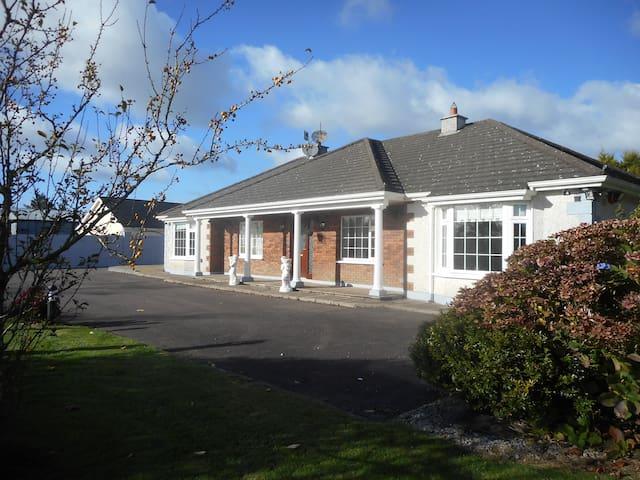 Cloverhill, Riverstick, Near Kinsale, Co. Cork - Ballymartle - บ้าน