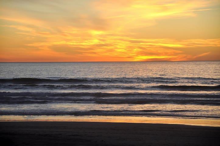 Tres Corazones Pequeño on the Beach - La Misión - Huis