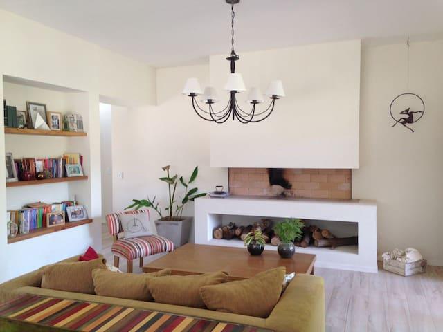 Casa en Costa Esmeralda, barrio Senderos - La Costa - House