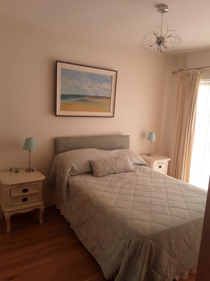 Deluxe double room with continental breakfast