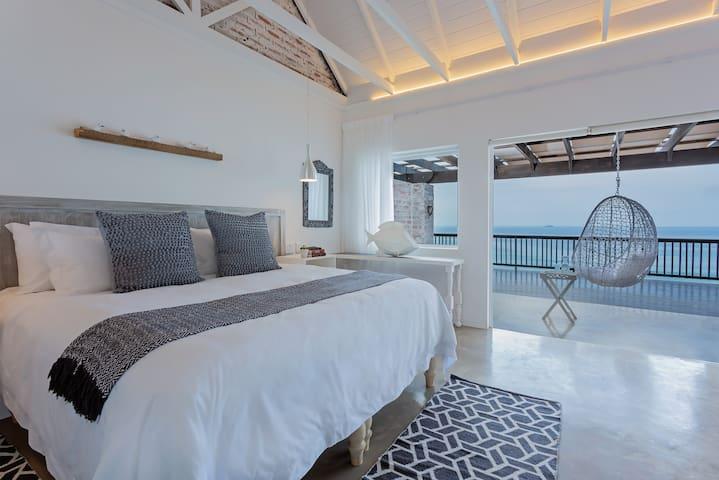 Seeplaas Guesthouse:  Ocean View Room 2