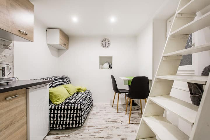 New and cozy Mini Apartment next to Keleti station