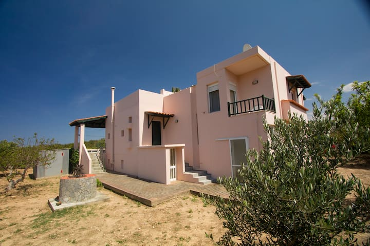 Valenti Holiday Home, 3BD/2BR, West Crete Beaches