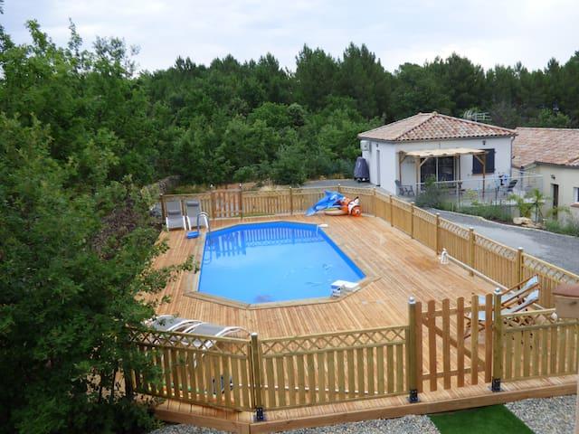 """Gîte de 50 m² avec piscine """"Le Pequelet"""""""