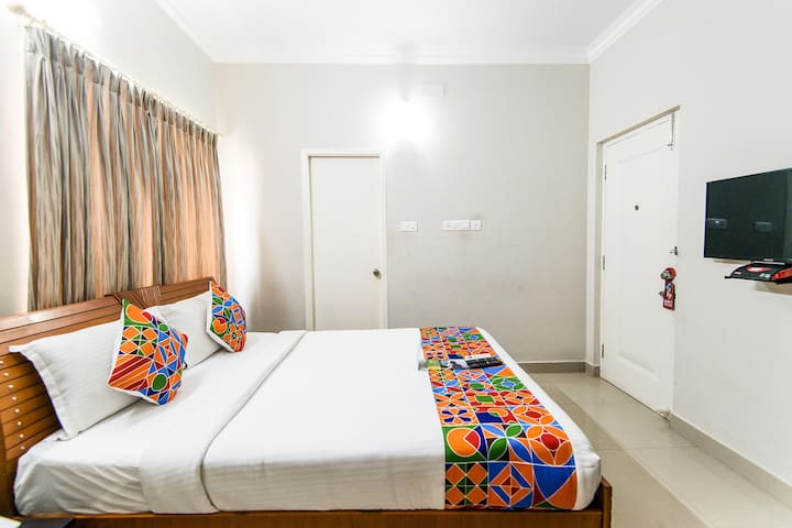 Deluxe Manapakkam Apartment