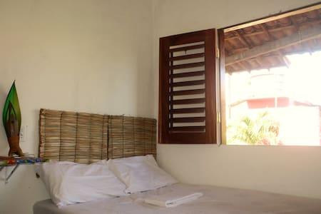 Quarto privativo - 02 pessoas -  ótima localização - Jericoacoara Beach - Apartamento