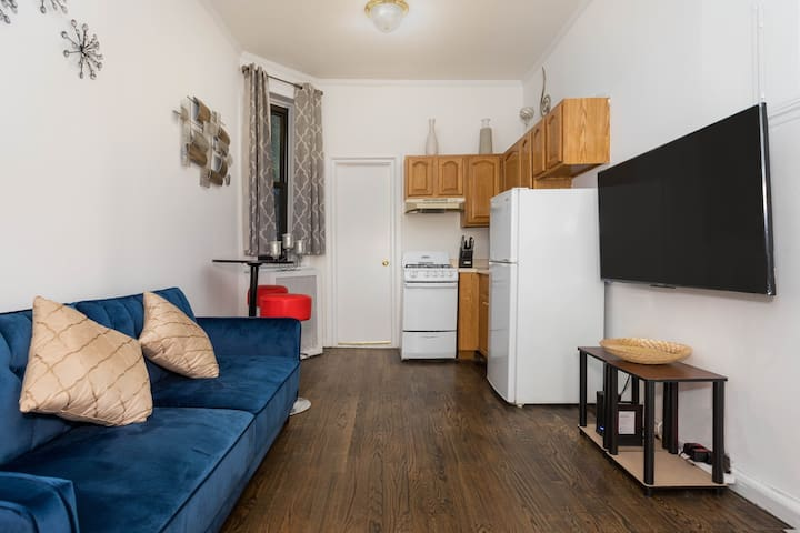 Amazing One Bedroom near Times Square