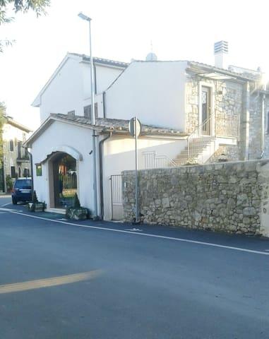 Casa in centro storico - Saturnia - House