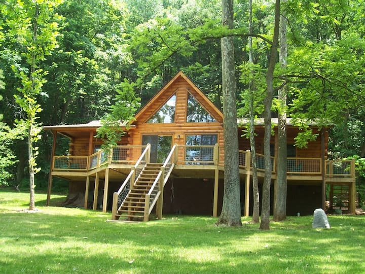 Bear's Lair Cabin on the New River~Rustic Elegance